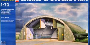 NATO Shelter plus Grundplatte im Maßstab 1:72 (Revell 04389)