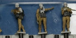 Bundeswehr-Soldaten auf ISAF Patrouille (ArsenalM 1:87)