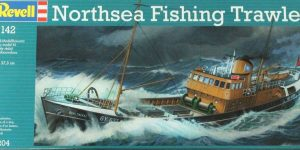 North Sea Fishing Trawler von Revell (1:142!)