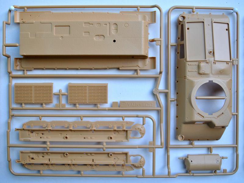 Tamiya-Somua-S-35-Plastikteile-11 SOMUA S-35 von Tamiya im Maßstab 1:35
