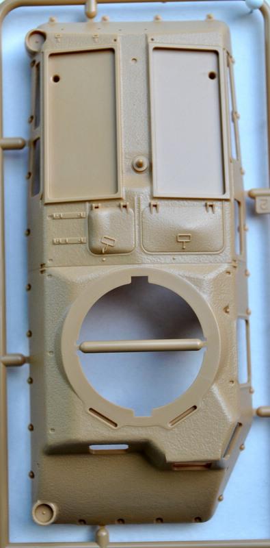 Tamiya-Somua-S-35-Plastikteile-17 SOMUA S-35 von Tamiya im Maßstab 1:35