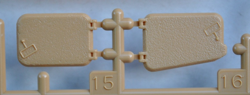Tamiya-Somua-S-35-Plastikteile-4 SOMUA S-35 von Tamiya im Maßstab 1:35
