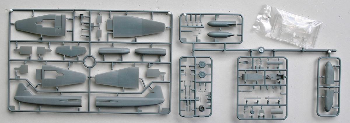 BRONCO-BV-P-178-Dive-Bomber-32 BV P 178 Dive Bomber von Bronco (1:72)