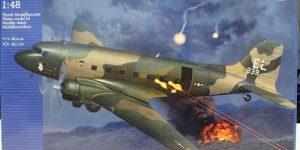 Douglas AC-47D Gunship von Revell im Maßstab 1:48