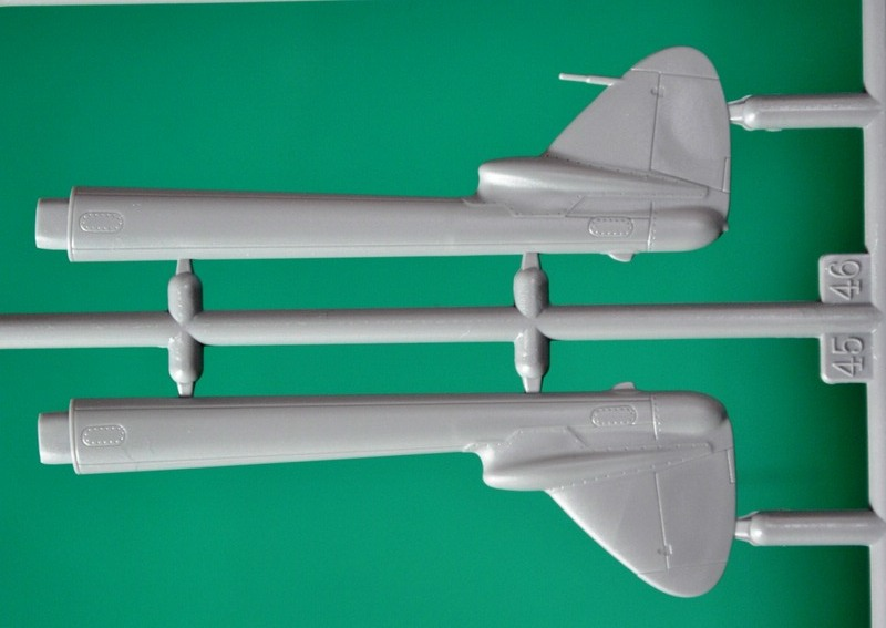 "SpecialHobby-Vampire-in-Northern-Skies-17 de Havilland Vampire FB.52 ""In Northern Skies (1:72 Special Hobby)"