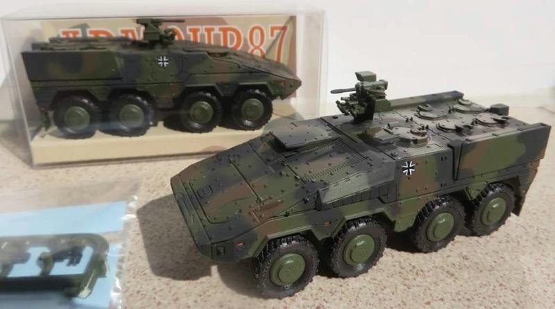 Armour87-GTK-Boxer-Flecktarn 1:87 Militärneuheiten im Juli/August 2014