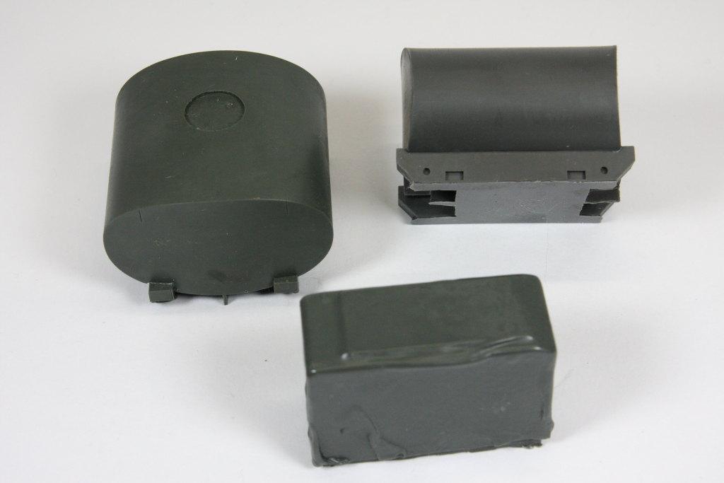 Y_Tankanlage_01 Y-Modelle --- Umbausatz Tankanlage 2 x 2.300 Liter - für REVELL MAN 5t 4x4 - 1/35