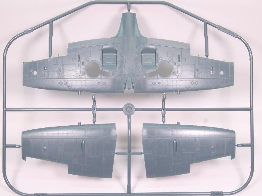 Eduard_Spitfire-Mk.VIII-Weekend_12 Spitfire Mk.VIII - Eduard Weekend Edition - 1/48 --- #84139