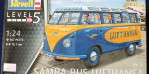 VW Samba Bus Lufthansa in 1:24