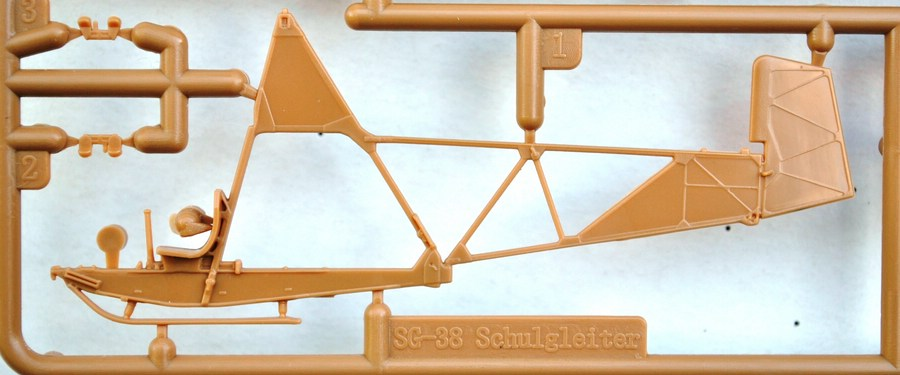 Special-Hobby-SG-38-Bausatzteile-2 Der Schulgleiter SG 38 von Special Hobby in 1:72 (72269 und 72319)