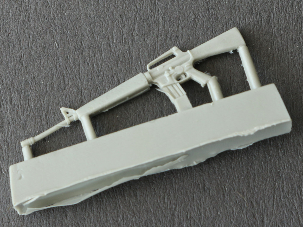 4 M-16 Rifle 1:35 plusmodel EASY line (EL008)