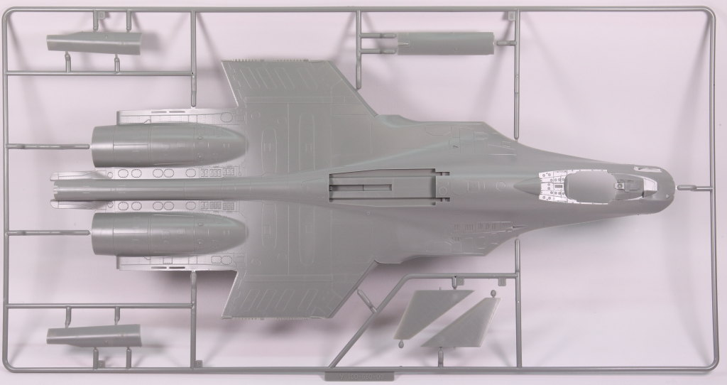 Kinetic_Su-33_007 Su-33 Flanker D  -  Kinetic  1/48 --- #48062
