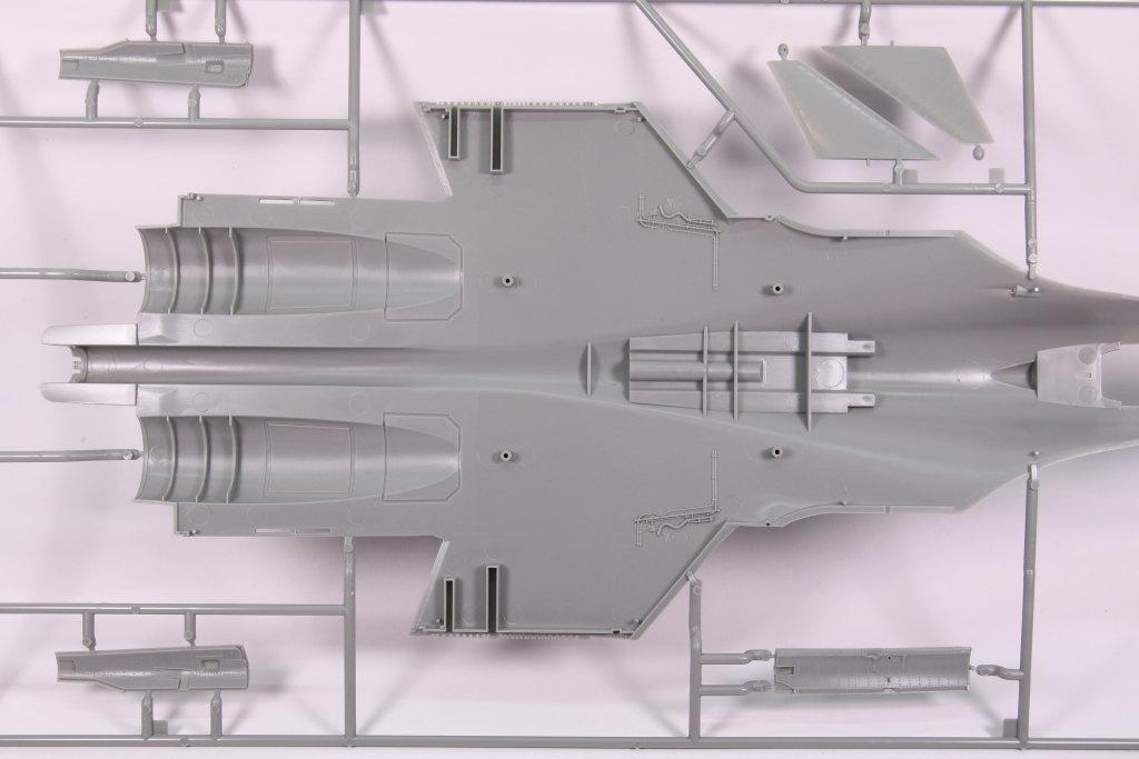 Kinetic_Su-33_010 Su-33 Flanker D  -  Kinetic  1/48 --- #48062