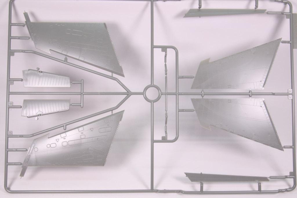 Kinetic_Su-33_062 Su-33 Flanker D  -  Kinetic  1/48 --- #48062