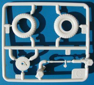 Revell-Me-109-G-6-13-300x273 Revell Me 109 G-6 (13)
