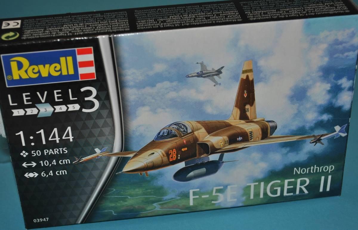 Revell-03947-Northrop-F-5E-Tiger-II-17 Northtrop F-5E Tiger II im Maßstab 1:144 von Revell 03947