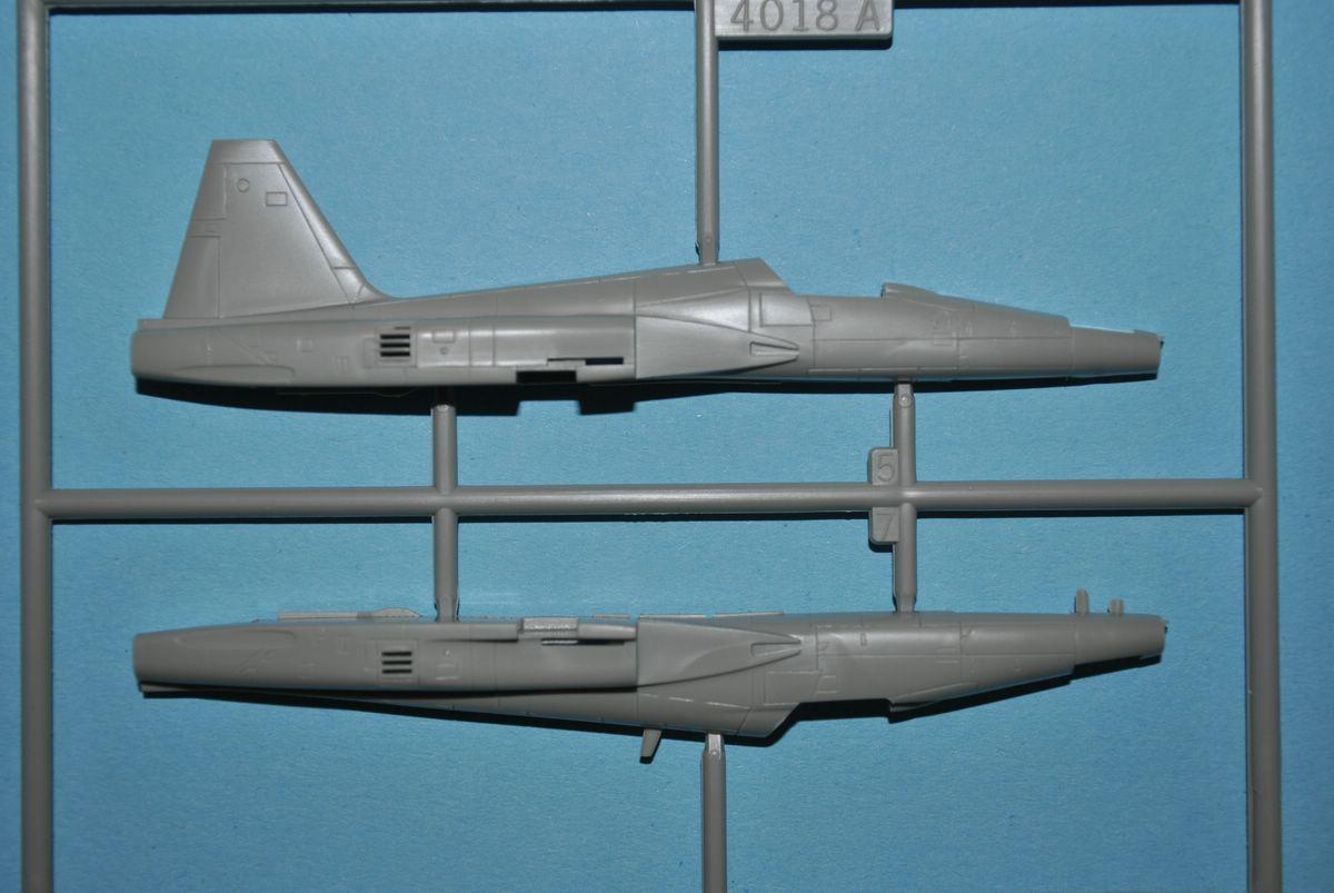 Revell-03947-Northrop-F-5E-Tiger-II-9 Northtrop F-5E Tiger II im Maßstab 1:144 von Revell 03947