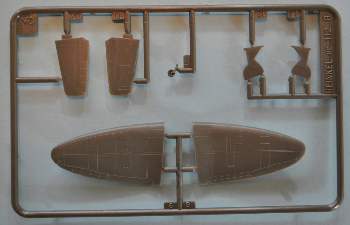 Heller-Heinkel-He-112-14 Kit-Archäologie: Heinkel He 112 von Heller im Maßstab 1:72