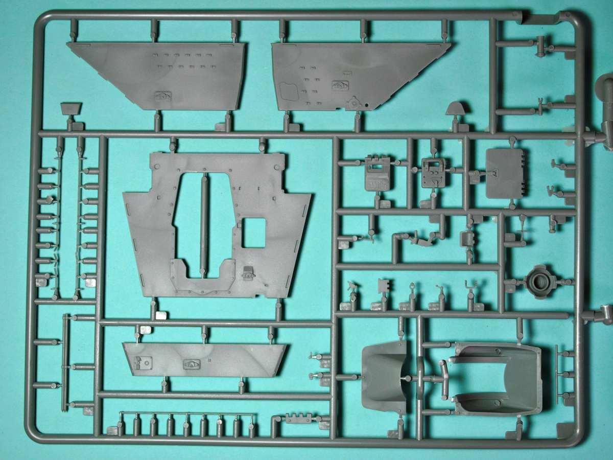 MiniArt-35175-Su-122-9 SU-122 Initial Production von MiniArt im Maßstab 1:35 (# 35175)
