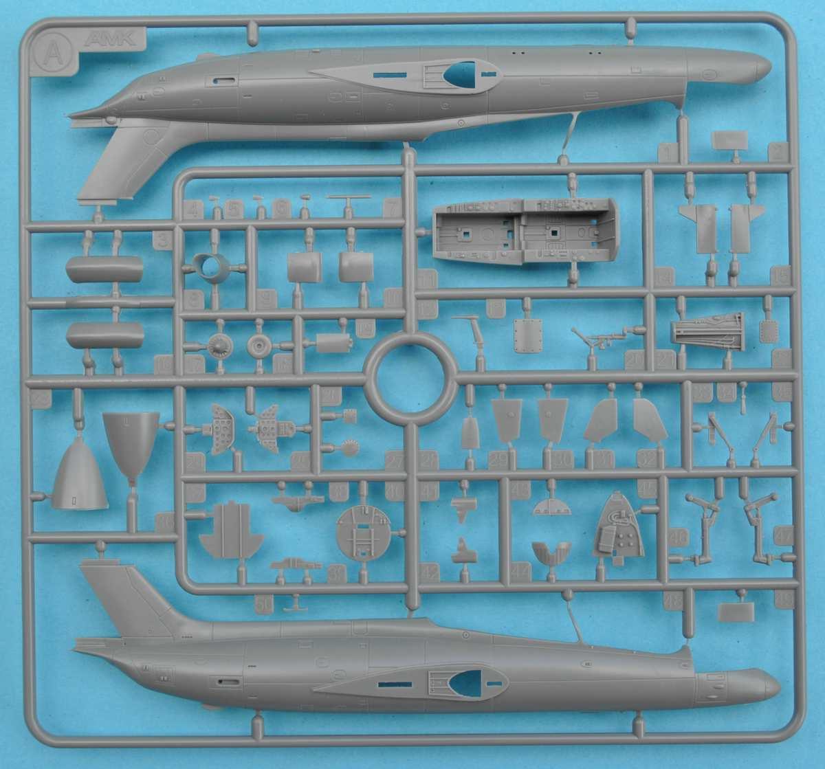 AMK-86001-Aero-L-29-Delfín-1-72-11 Aero L 29 Delfin von Avantgarde ( AMK 86001) im Maßstab 1:72