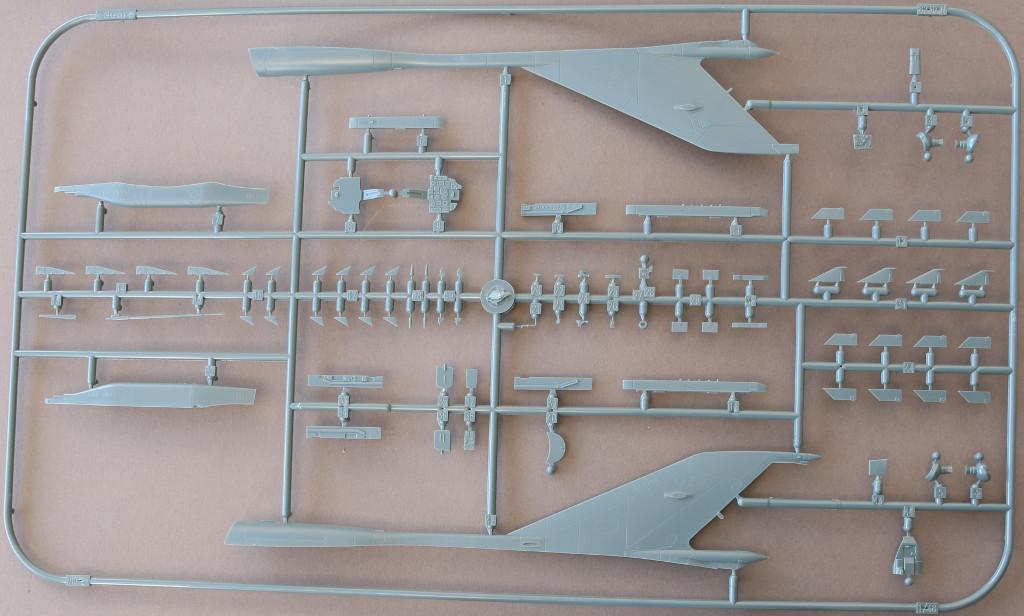 Mig-N Sound of Silence ( MiG-21 und Skyhawk) 1:48 Eduard