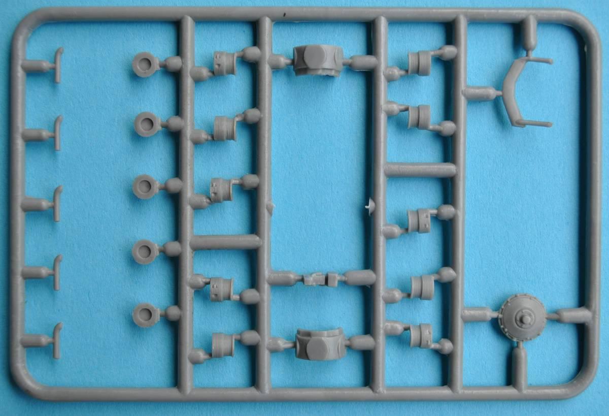 MikroMIr-48002-Jakowlew-UT-1-14 Jakowlew UT-1 von Mikro Mir 48-002