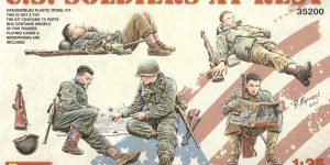 U.S. Soldiers at Rest Miniart 1:35 (35200)