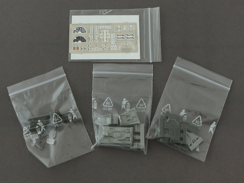 4-3 Eduard Brassin P-38F Cockpit for Academy Kit 1:48 (648277)