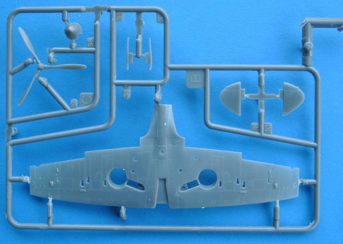 Revell-03953-Spitfire-Mk.-II-1zu72-5 Spitfire Mk. II von Revell in 1:72 Testshot