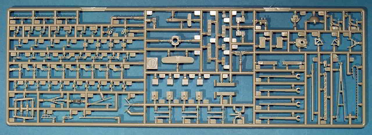 03_Spritzling_D_zweimal_vorhanden Bismarck Platinum Edition von Revell 1:350
