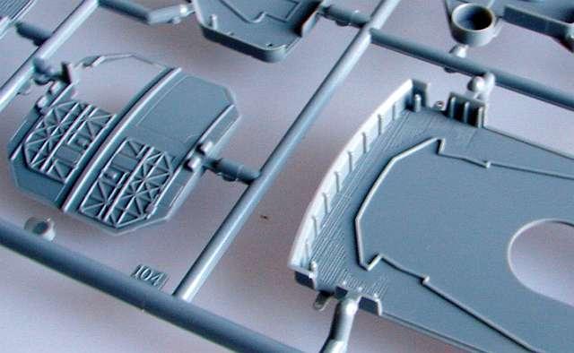 05_Hangarwand-mit-offenem-und-geschlossenem-Tor Bismarck Platinum Edition von Revell 1:350