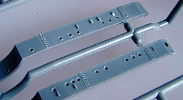 08_Schön-strukturierte-Aufbautenwände Bismarck Platinum Edition von Revell 1:350