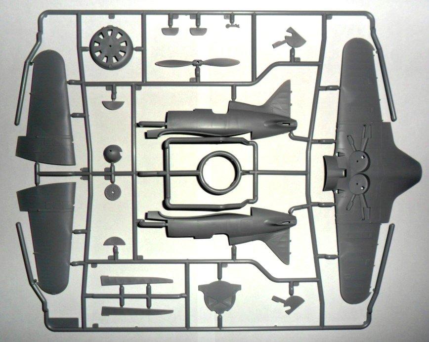 ICM-48097-Polikarpov-I-16-Typ-24-12-1 Polikarpov I-16 Typ 24 in 1:48 von ICM (#48097)