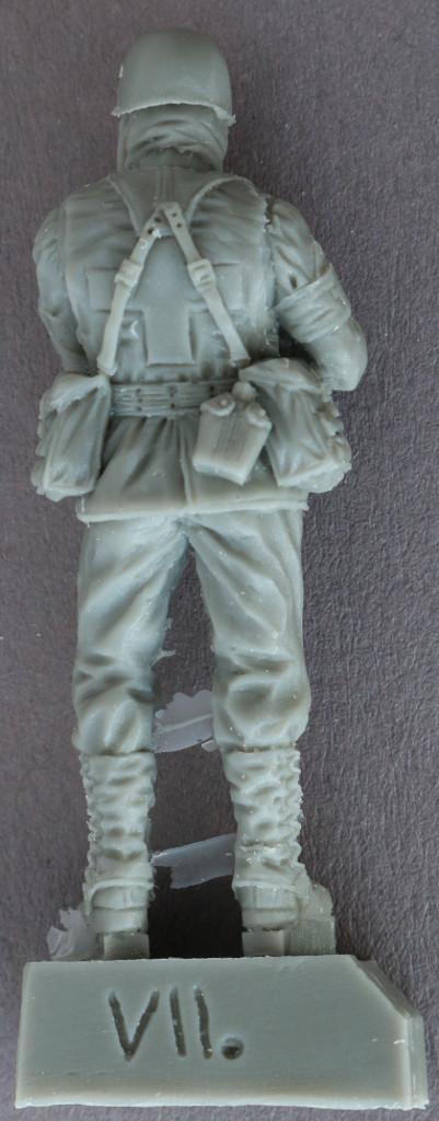 1-1 U.S. Soldiers, WWII Orderlies plus model 160 (1:35)