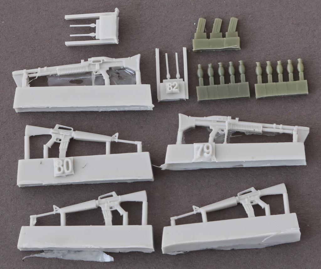2 U.S. Weapons Vietnam plus model 316 (1:35)