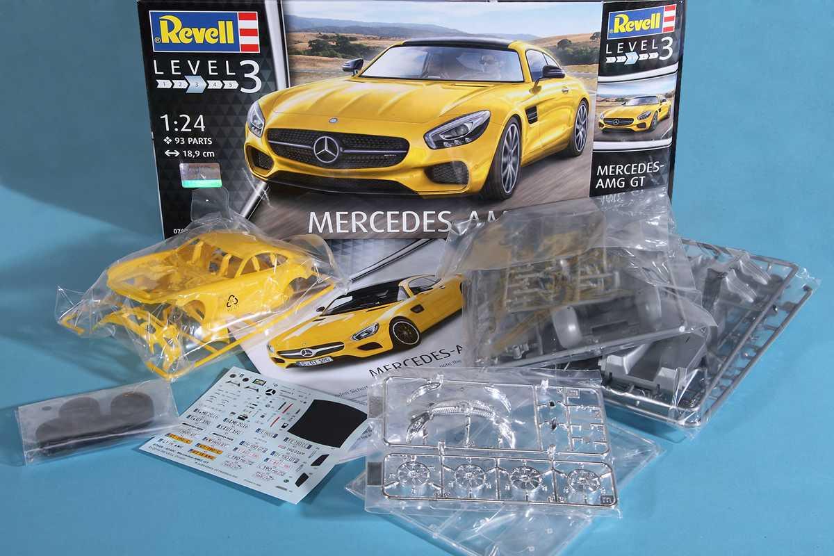 Revell-07028-Mercedes-AMG-12 Mercedes AMG GT in 1:24 von Revell