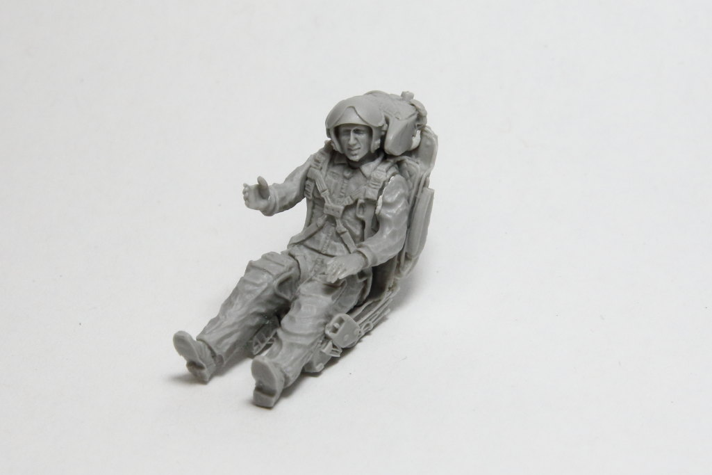 Aerobonus-MiG-21-Pilot_10 MiG-21 / MiG-23 Fighter Pilot with ejection seat - Aerobonus - 1/48  ---  #480 071