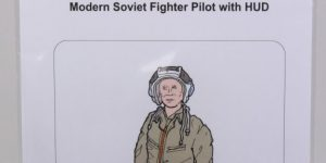 Modern Soviet Fighter Pilot with HUD – aerobonus 1/48  —  #480 180