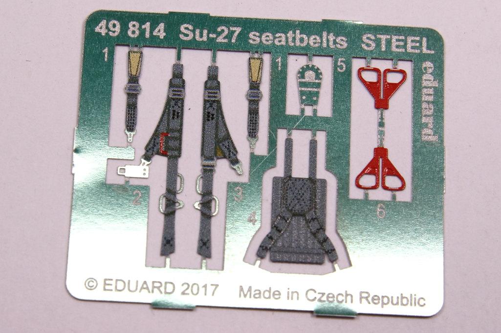 Eduard_seatbelts_Steel_Su-27_HB_03 Eduard-Zubehör für die Su-27 Flanker B von Hobby Boss - 1/48