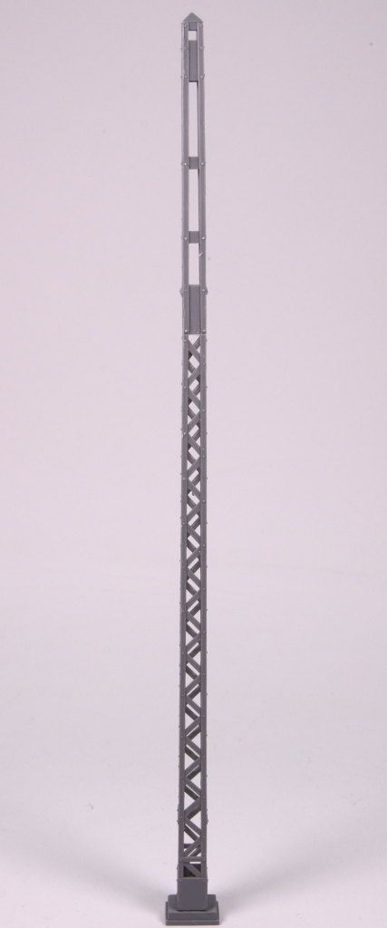 MiniArt_Railroad_Power_Poles_15 Railroad Power Poles and Lamps - MiniArt - 1/35  ---  35570