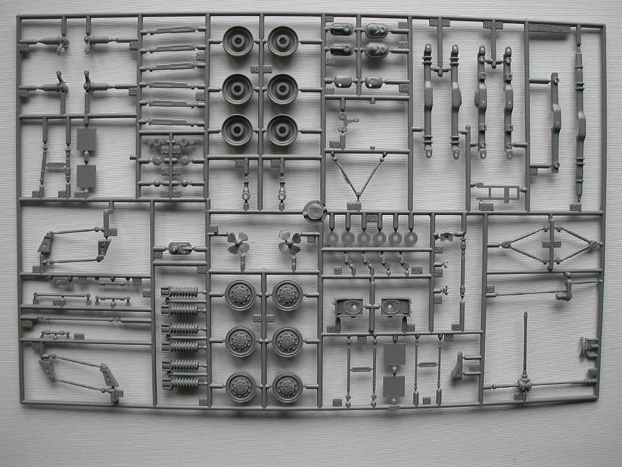"Revell-03256-TPz-Fuchs-21 Transportpanzer ""Fuchs"" von Revell im Maßstab 1:35 ( 03256 )"