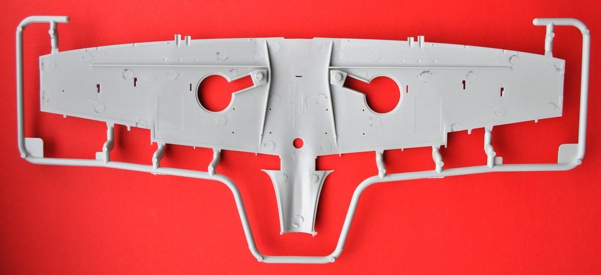 Revell-03927-Spitfire-Mk.-IXc-Tragflächen-1 Spitfire Mk. IXc von Revell im Maßstab 1:32 ( 03927 )
