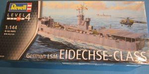 """Landungsschiff LSM """"Eidechse"""" von Revell im Maßstab 1:144"""