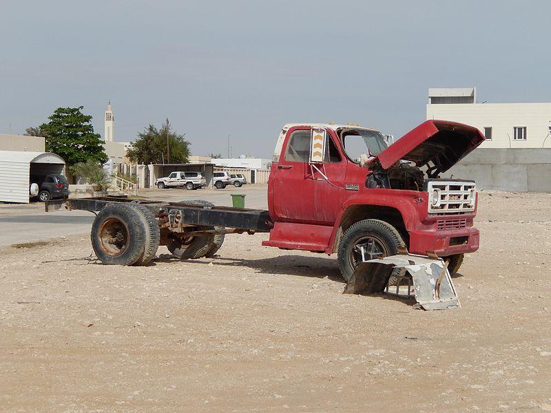Qatar_Al_Jumailiyah_2_GMC_6000_truck GMC or Chevy C6500 P&P VINTAGE KIT'S 1:25