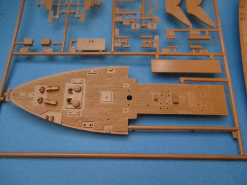 Revell-05417-Gorcg-Fock-Spritzling-2-Details Segelschulschiff Gorch Fock von Revell 1:150 (# 05417)