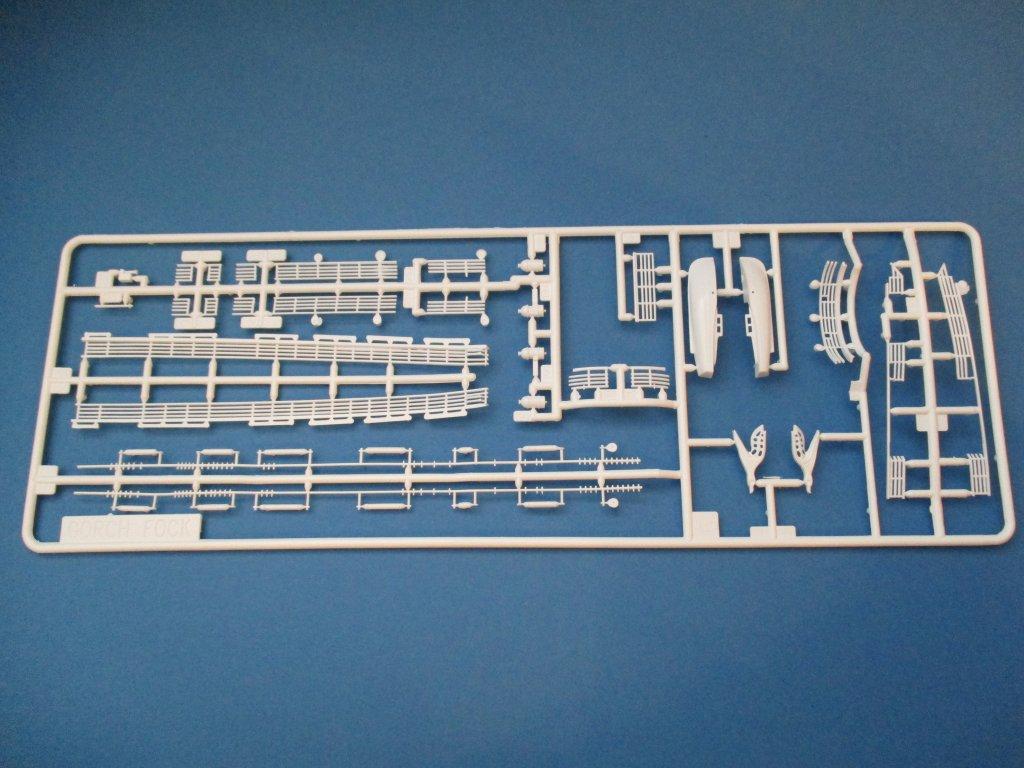 Revell-05417-Gorch-Fock-Spritzling-6 Segelschulschiff Gorch Fock von Revell 1:150 (# 05417)