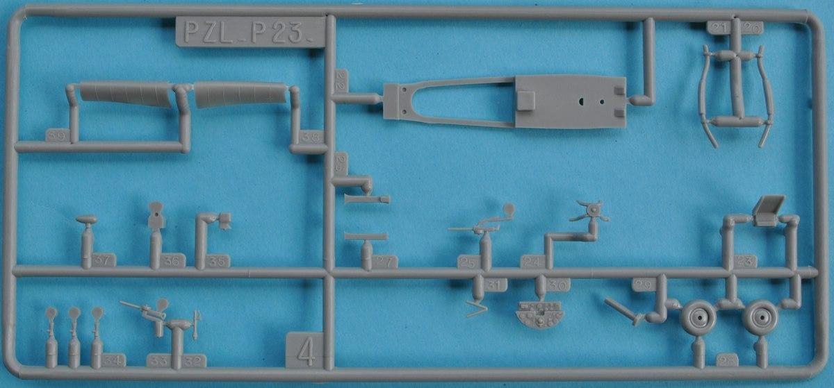 Heller-80247-PZL-P.23-Karas-7 Kit-Archäologie: PZL P.23 Karas A und B von Heller ( 1:72)