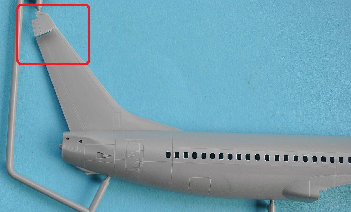 Zvezda-7019-Boeing-737-800-5 Boeing 737-800 in 1:144 von Zvezda ( 7019 )
