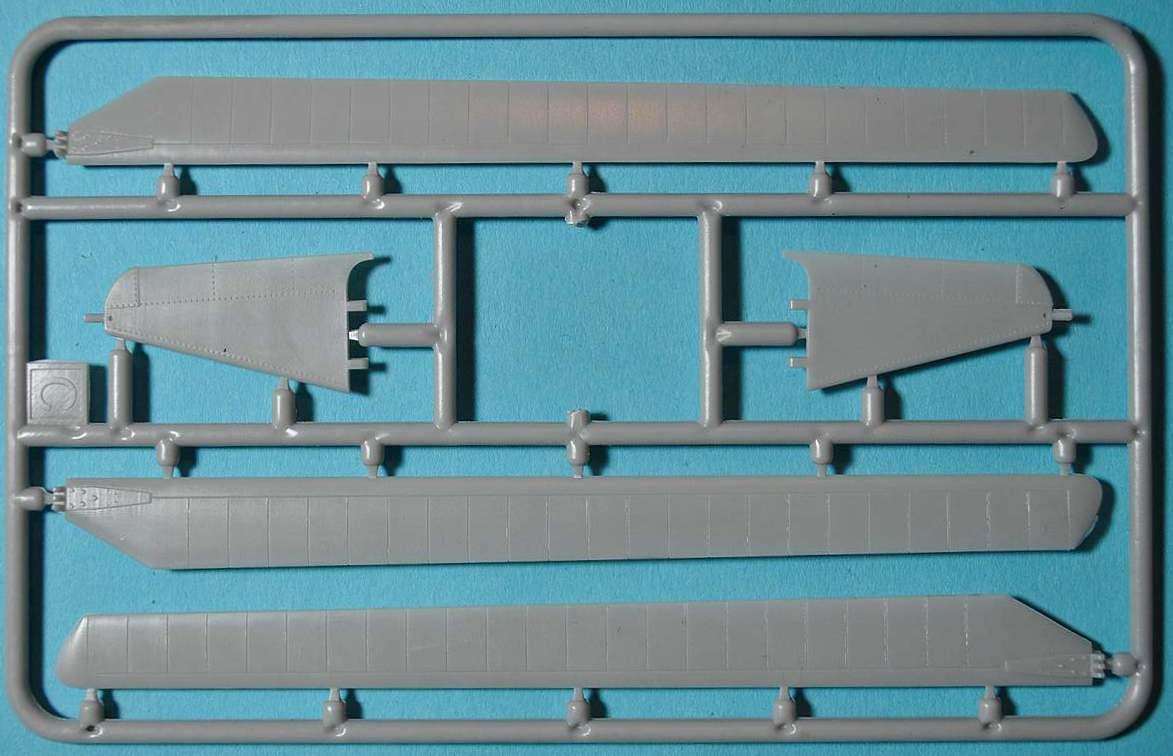AMP-48001-Sikorsky-HO3S-1-26 Sikorsky HO3S-1 ( S-51) in 1:48 von AMP (48001)