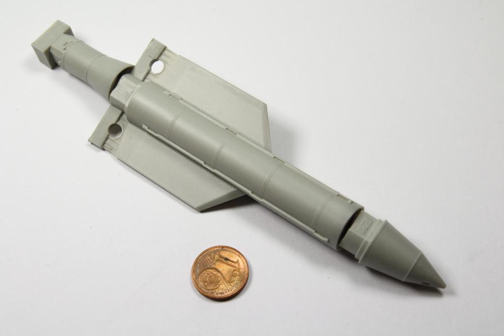 "Eduard_BRASSIN_MOAB_11 GBU-43/B Massive Ordnance Air Blast (""MOAB"") - Eduard BRASSIN 1/72"